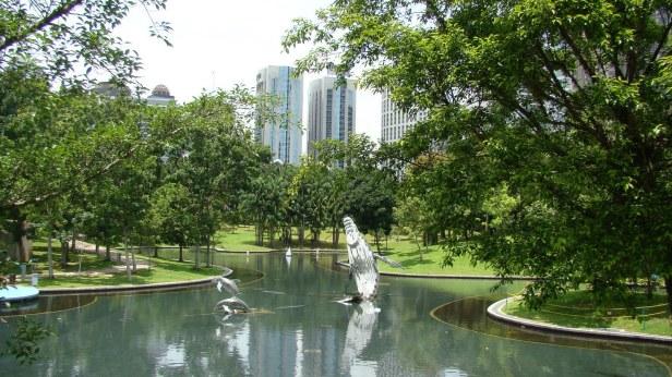 kuala_lumpur22_petronas_towers_gardens