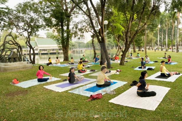 lumpini-park-bangkok-yoga