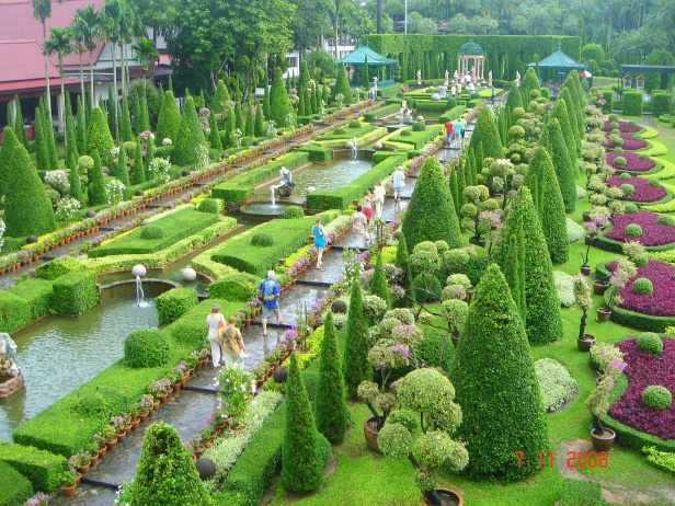 nong-nooch-tropical-garden-tailandia-tr