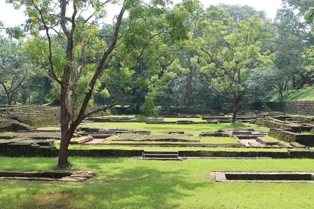 sigiriya-ngardens-lion-rock-gardens-sigiriya