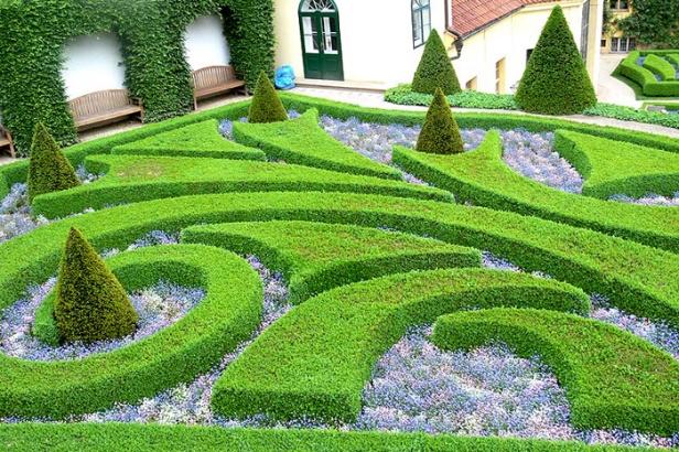Jardines de la republica checa jardines sin fronteras for Jardin querubines