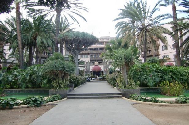 Gran canaria tenerife y lanzarote jardines sin fronteras for Hotel ciudad jardin