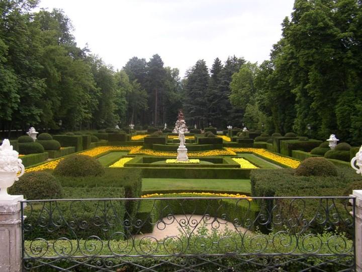 ALGUNOS JARDINES DE PALACIOS REALES – Jardines sin fronteras