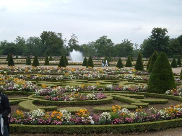 Algunos jardines de palacios reales jardines sin fronteras for Jardines barrocos